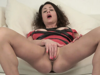 big tits Mimi Love - KarupsOlderWomen high heels masturbation
