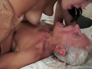 brunette Dolly Diore in Of Picnics and Old Cocks Video cunnilingus facial