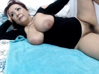 mature Hairy colombian milf dripping pussy cum