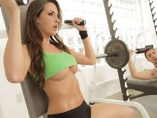 big tits Kortney Kane & Keiran Lee in Circuito Sensual de Entrenamiento - Brazzers cumshot gym
