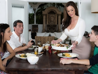 big tits Kendra Lust & Jordi El Nino Polla in Kendras Thanksgiving Stuffing - Brazzers milf red head